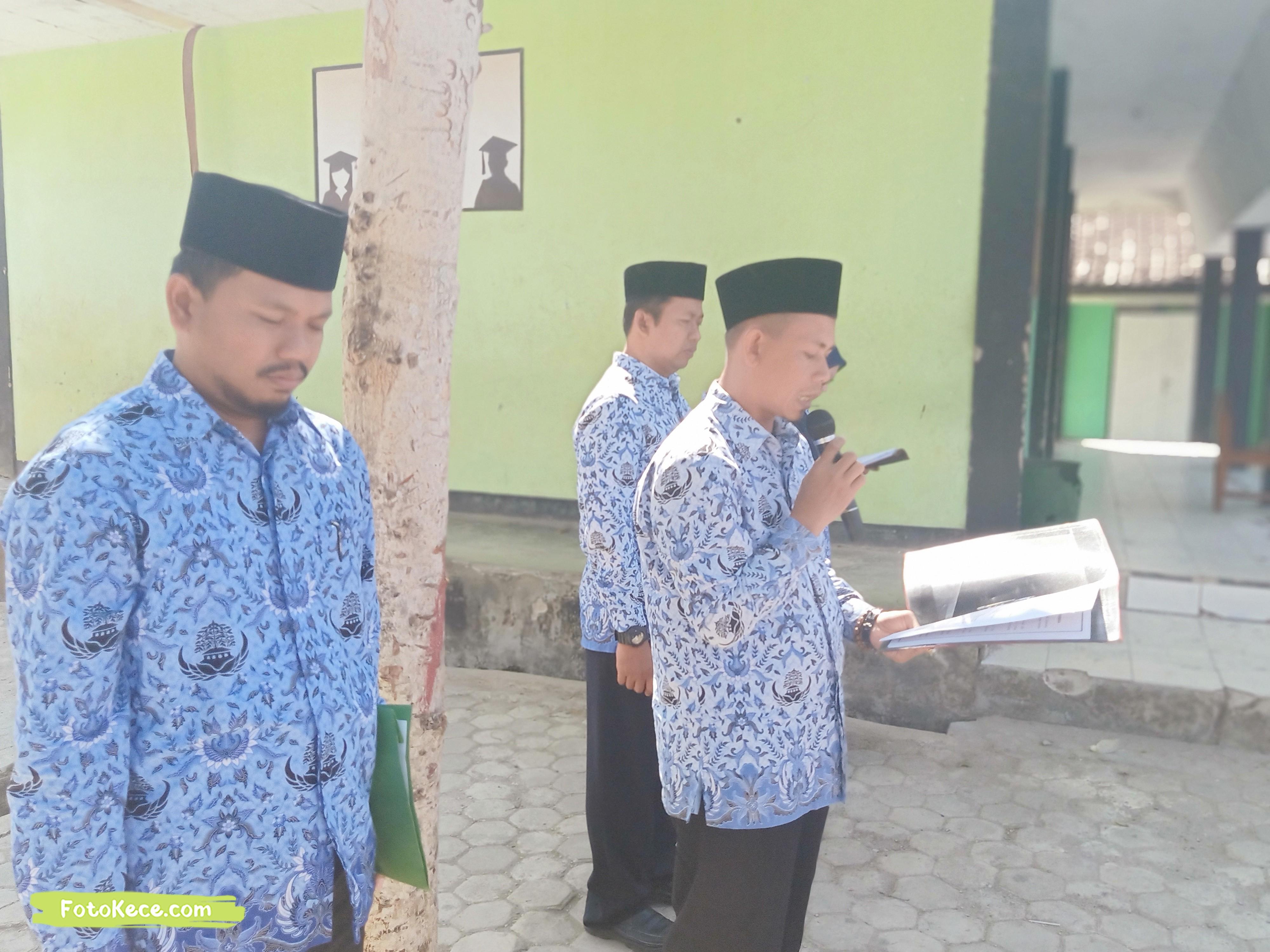 herman acep hari kesaktian pancasila 1 oktober mtsn2 sukabumi fotokece 2019 54