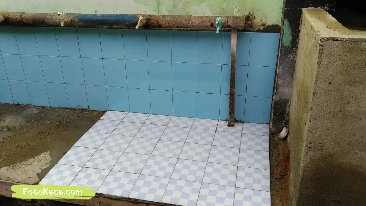 keramik proses perbaikan sarana fasilitas bmn foto kece 2019 250