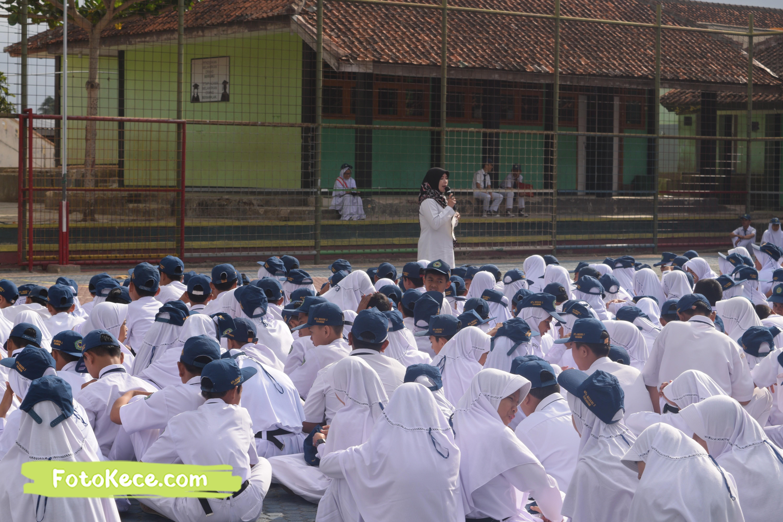 pembagian piala gebyar ukhuwah islamiyah xv darul amal kumpul di lapangan foto kece 21202019 13