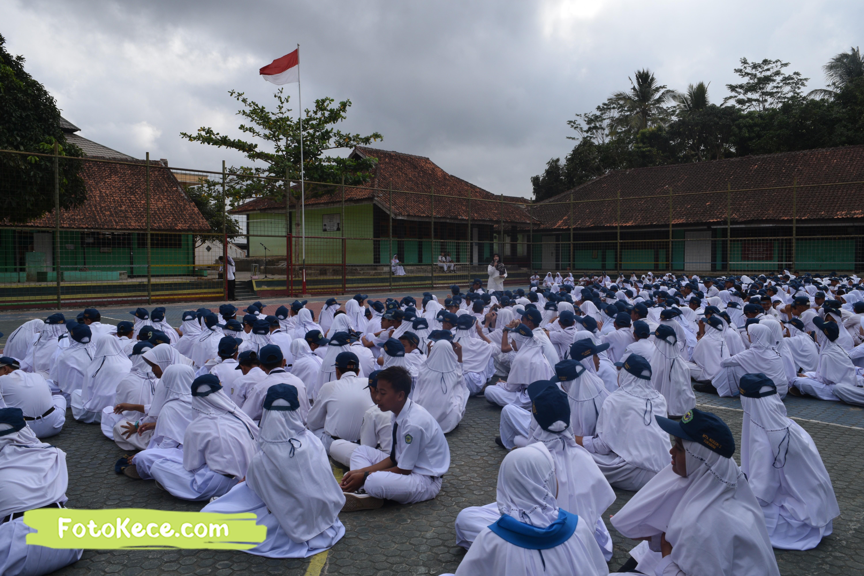 pembagian piala gebyar ukhuwah islamiyah xv darul amal kumpul di lapangan foto kece 21202019 15