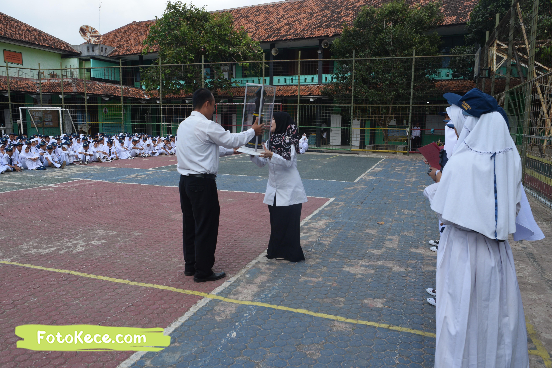 pembagian piala gebyar ukhuwah islamiyah xv darul amal kumpul di lapangan foto kece 21202019 51