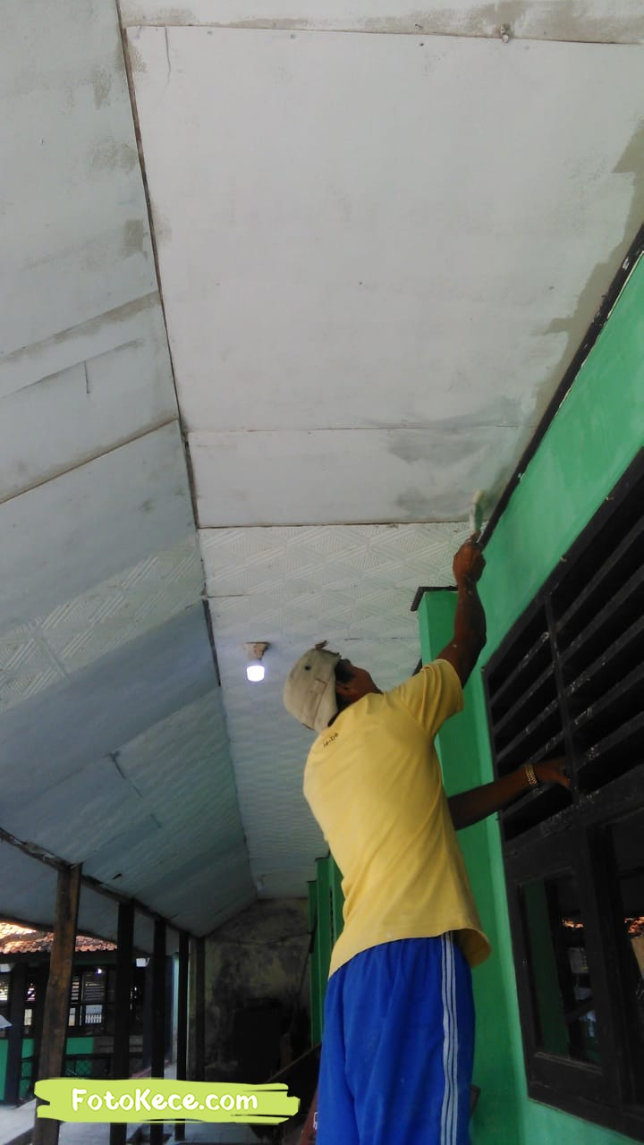 proses pengecatan perbaikan sarana fasilitas bmn foto kece 2019 199
