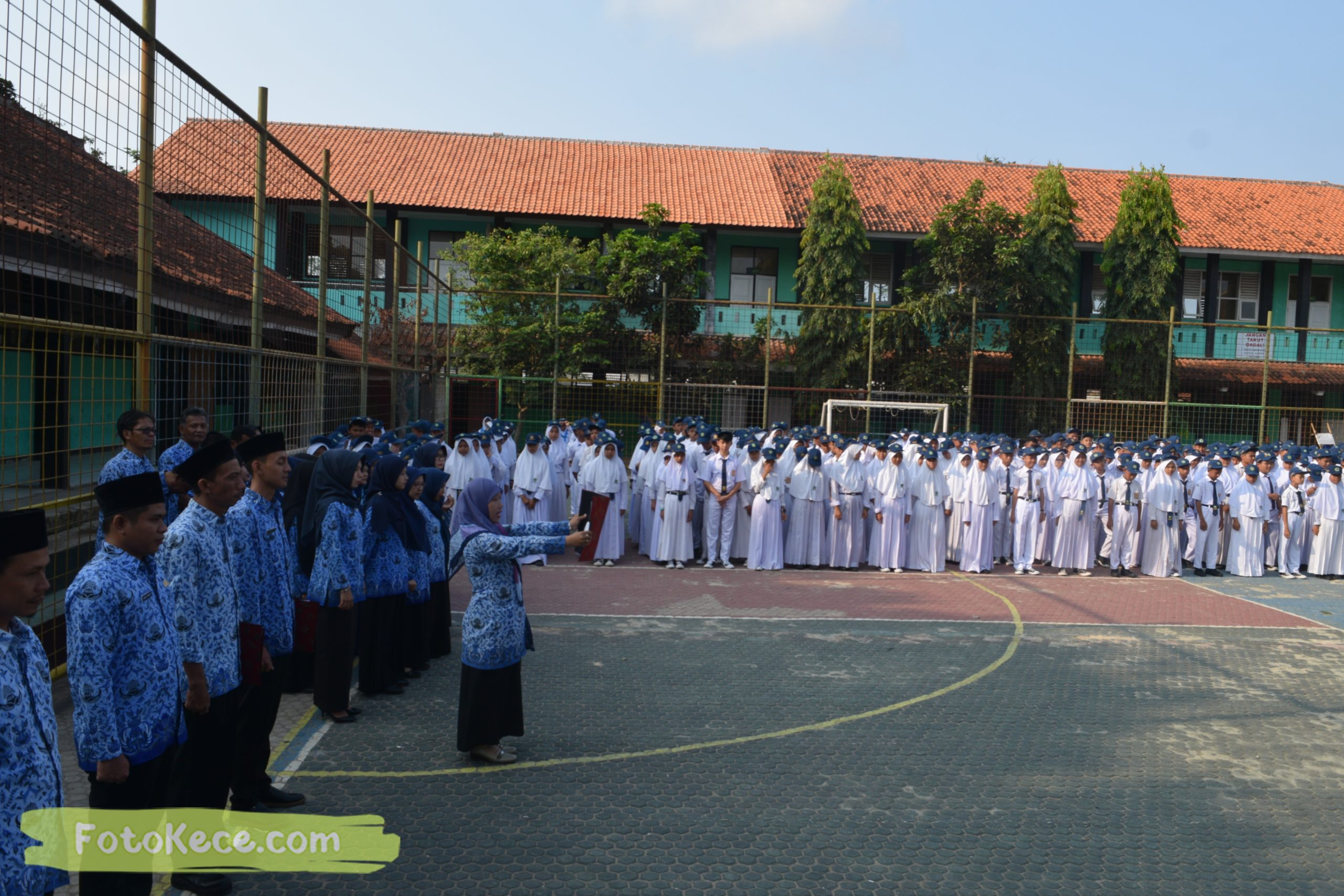 hari guru nasional bersama mtsn 2 sukabumi 25112019 fotokece 8 scaled