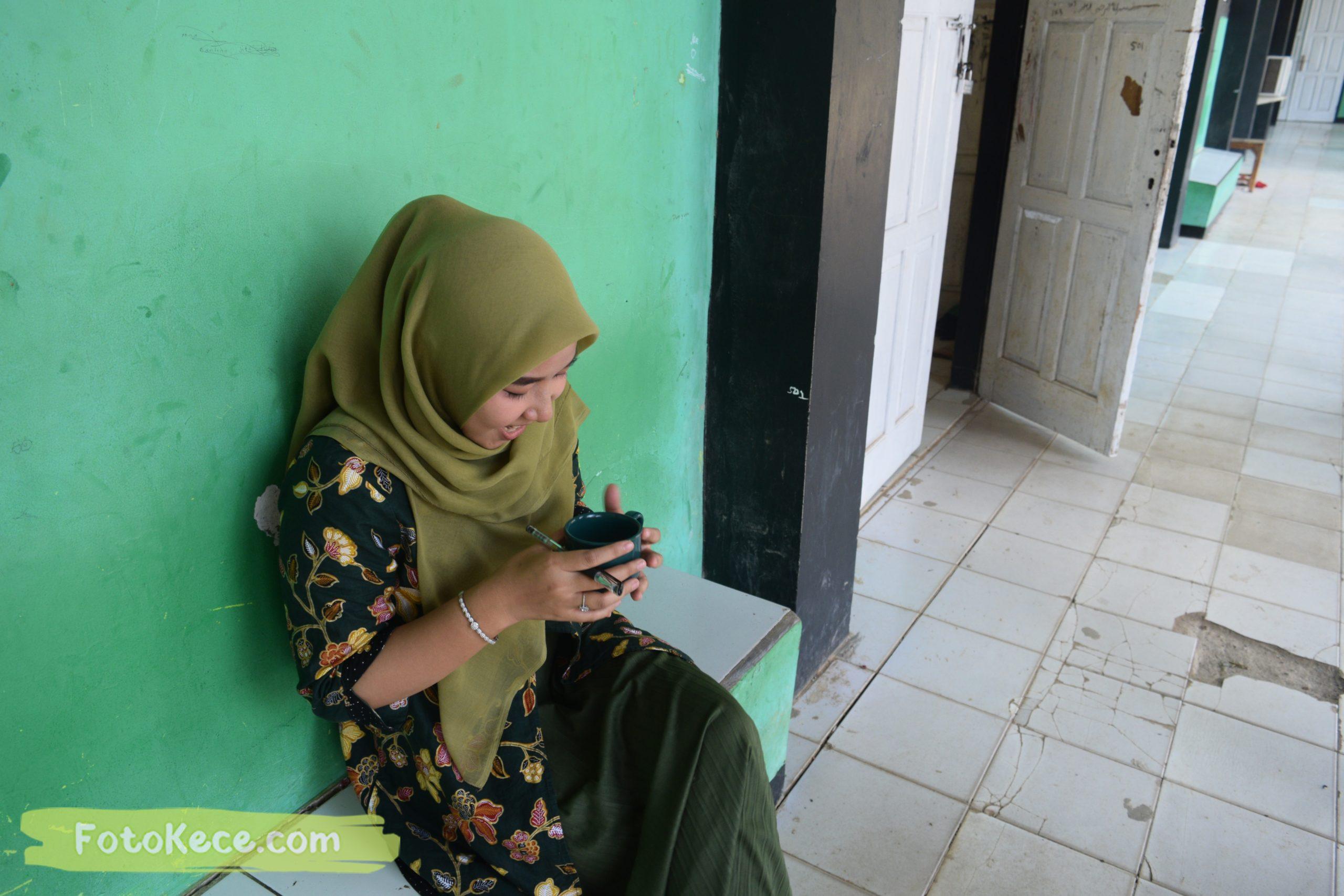 SUZANA DWI NURFAJRIEN santai pada mtsn2 smi fotokece des 2019 22 scaled