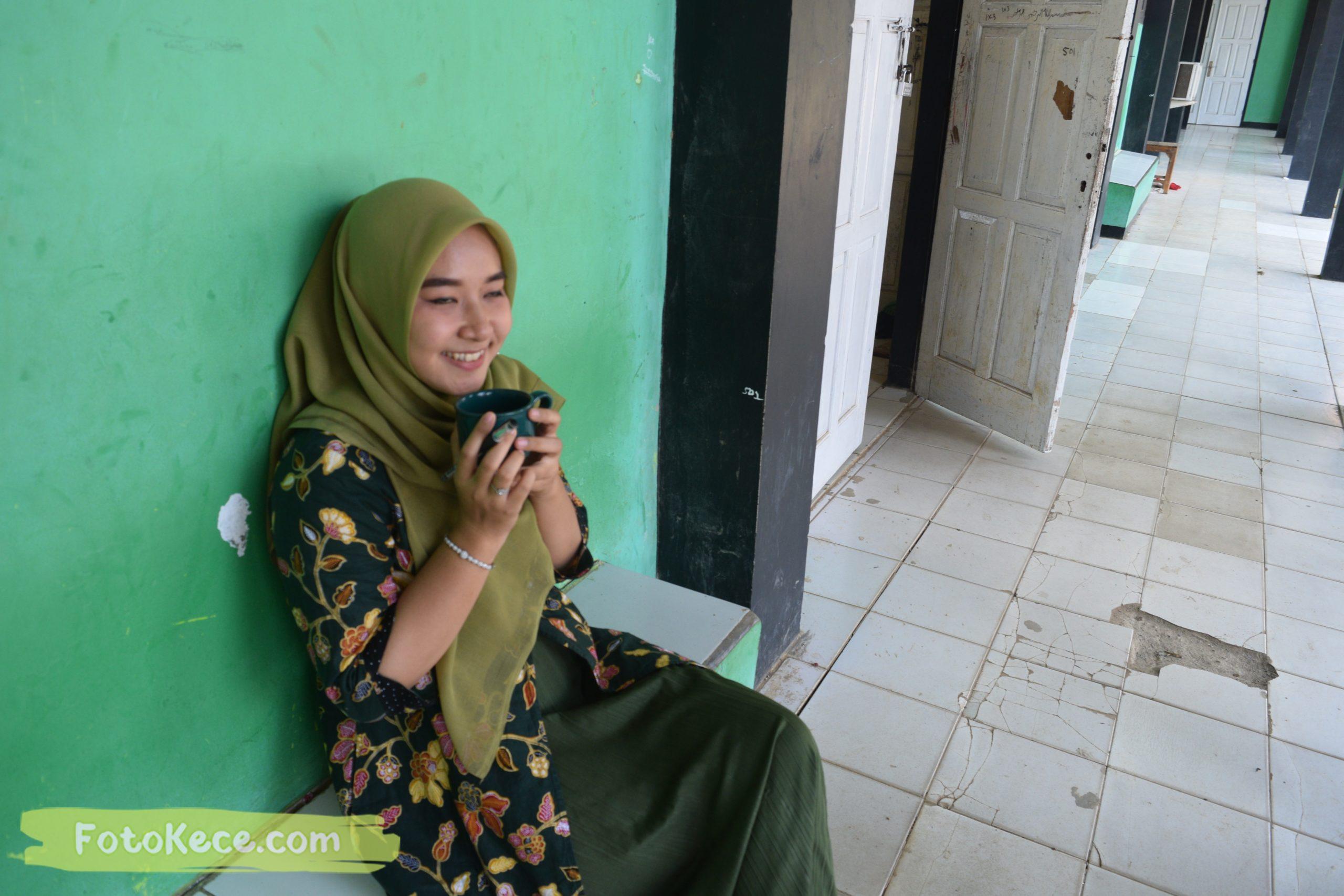 SUZANA DWI NURFAJRIEN santai pada mtsn2 smi fotokece des 2019 24 scaled