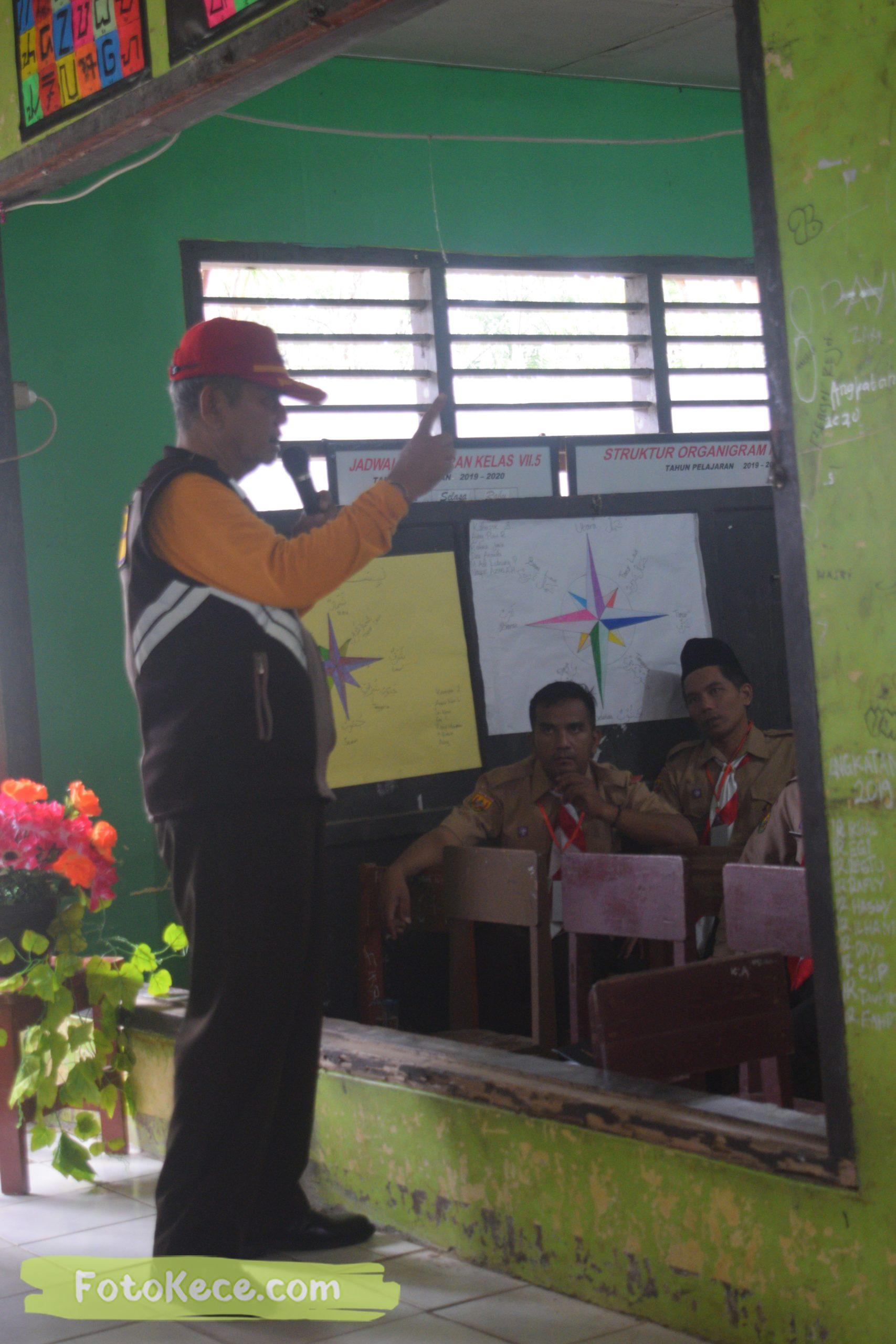 indoor kursus pembina mahir tingkat dasar kmd kwartir ranting surade 2019 fotokece Des 2019 35 scaled
