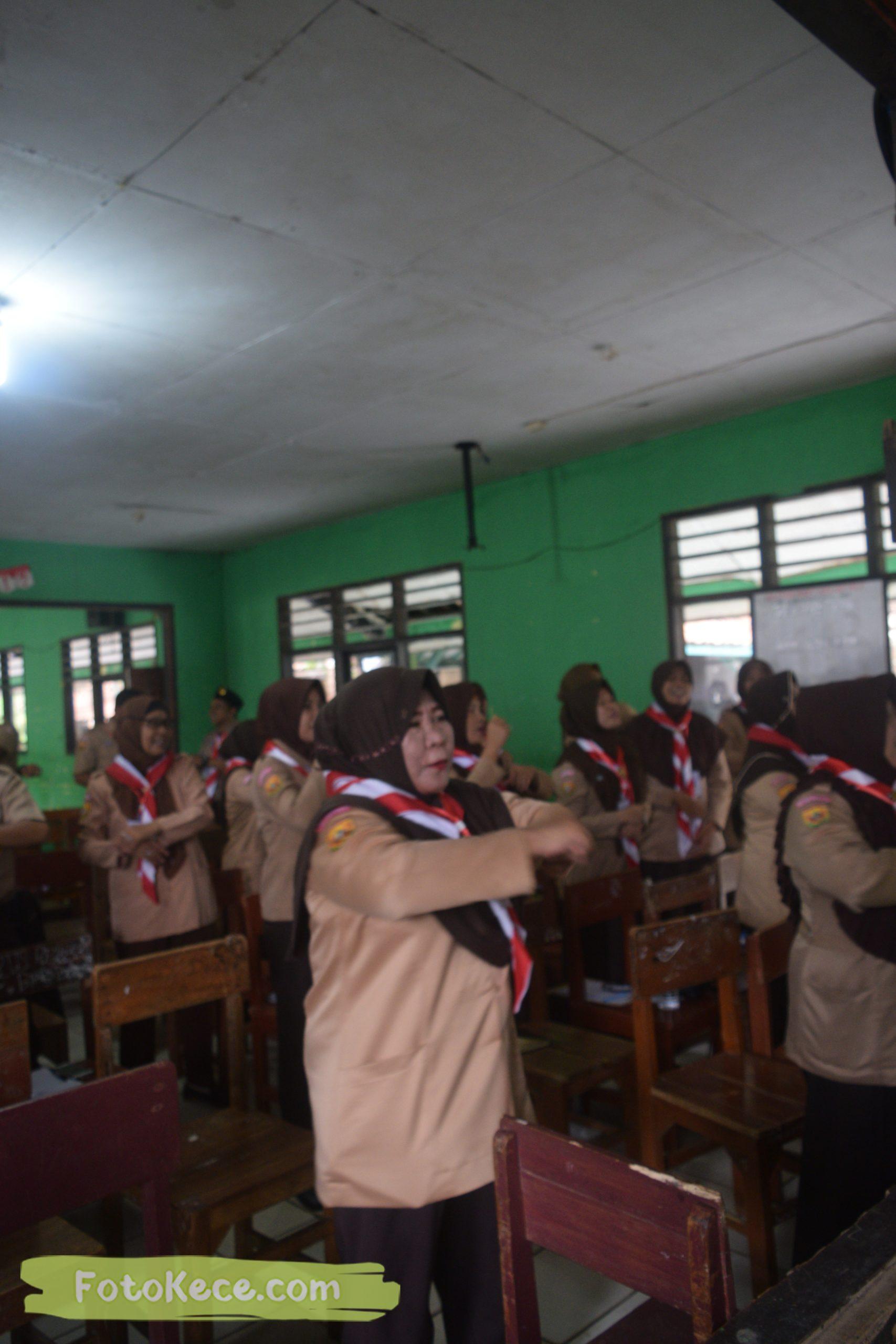 indoor kursus pembina mahir tingkat dasar kmd kwartir ranting surade 2019 fotokece Des 2019 57 scaled