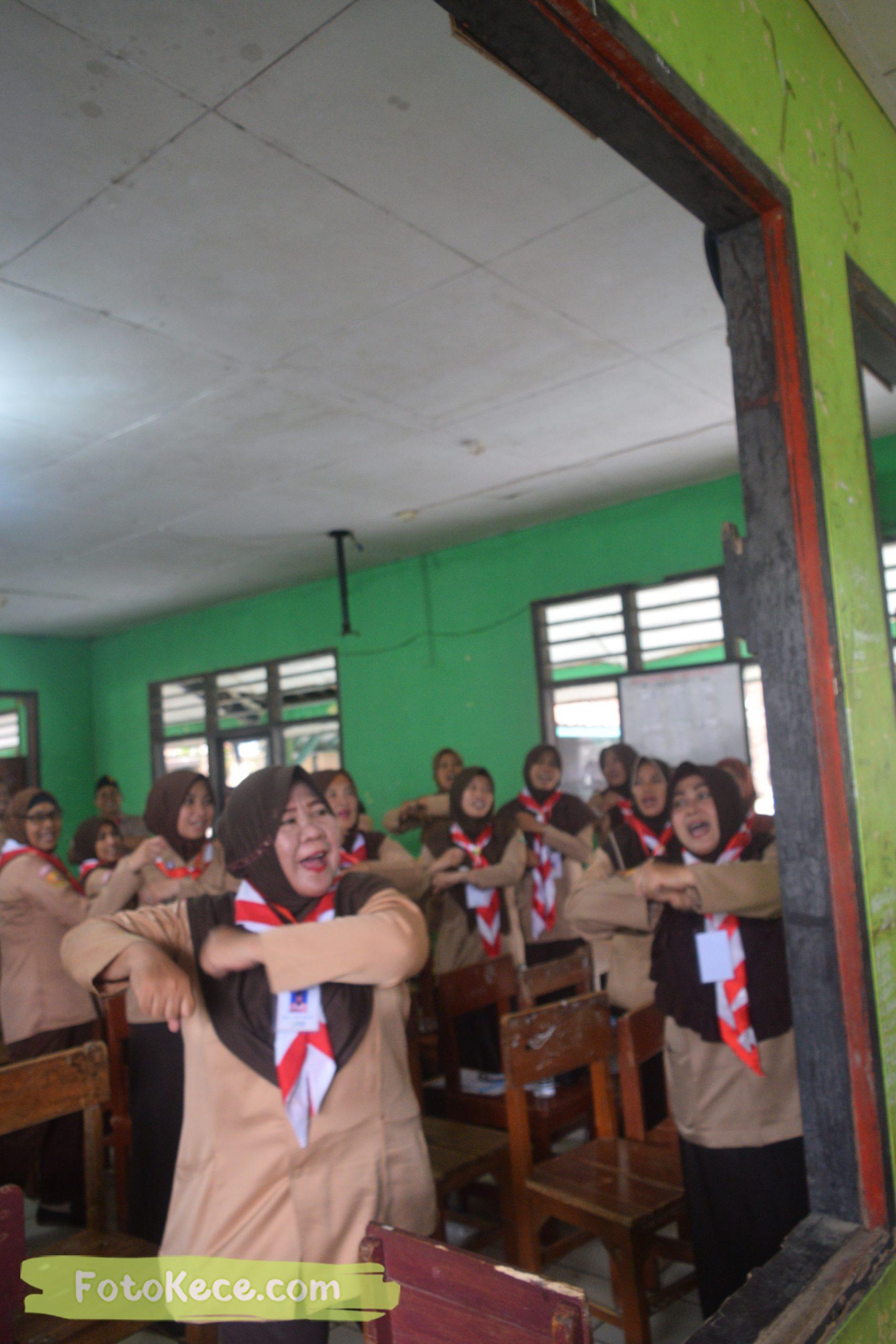 indoor kursus pembina mahir tingkat dasar kmd kwartir ranting surade 2019 fotokece Des 2019 59 scaled