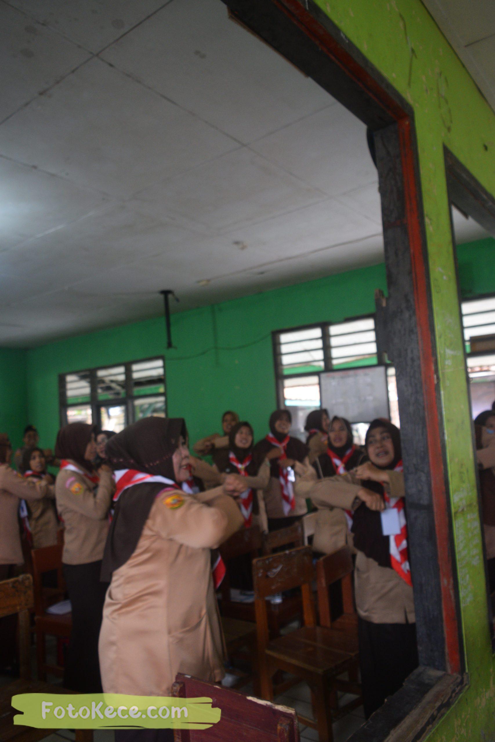 indoor kursus pembina mahir tingkat dasar kmd kwartir ranting surade 2019 fotokece Des 2019 60 scaled