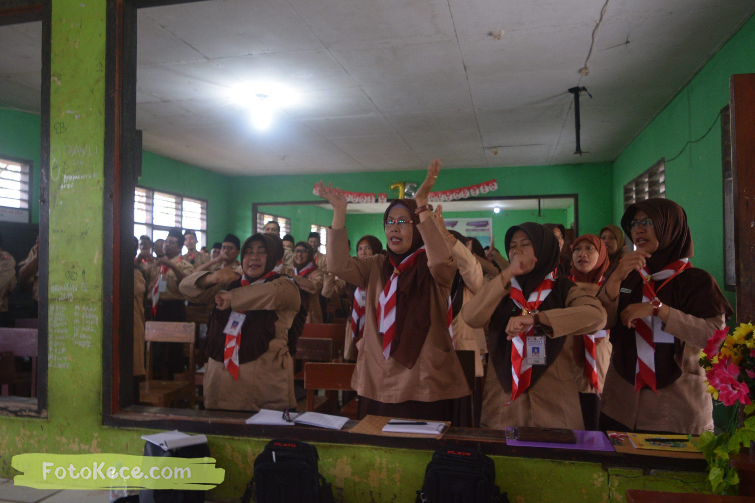 indoor kursus pembina mahir tingkat dasar kmd kwartir ranting surade 2019 fotokece Des 2019 63 scaled