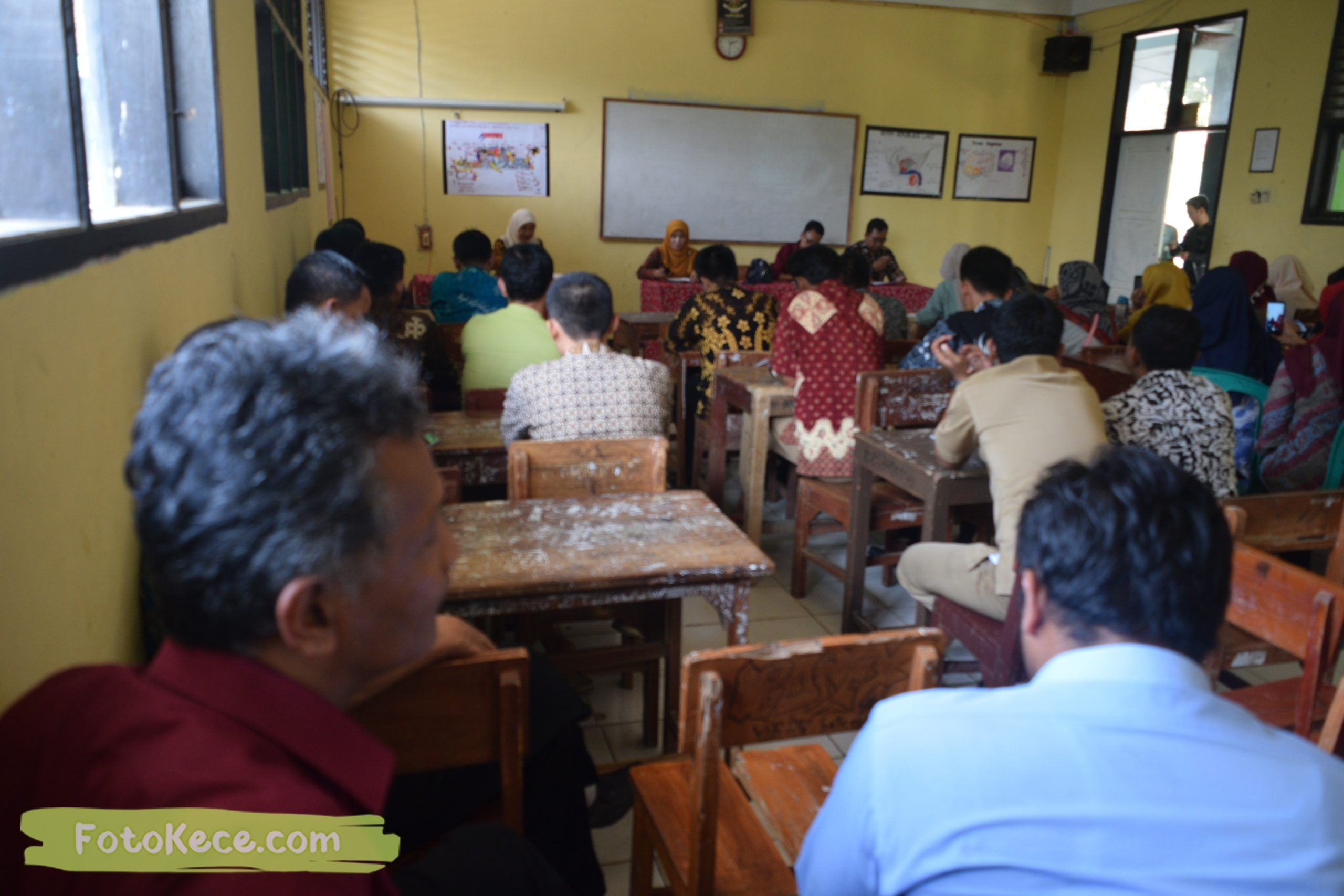 meeting persiapan pas 1920 foto kece mtsn 2 sukabumi 05122019 31 scaled