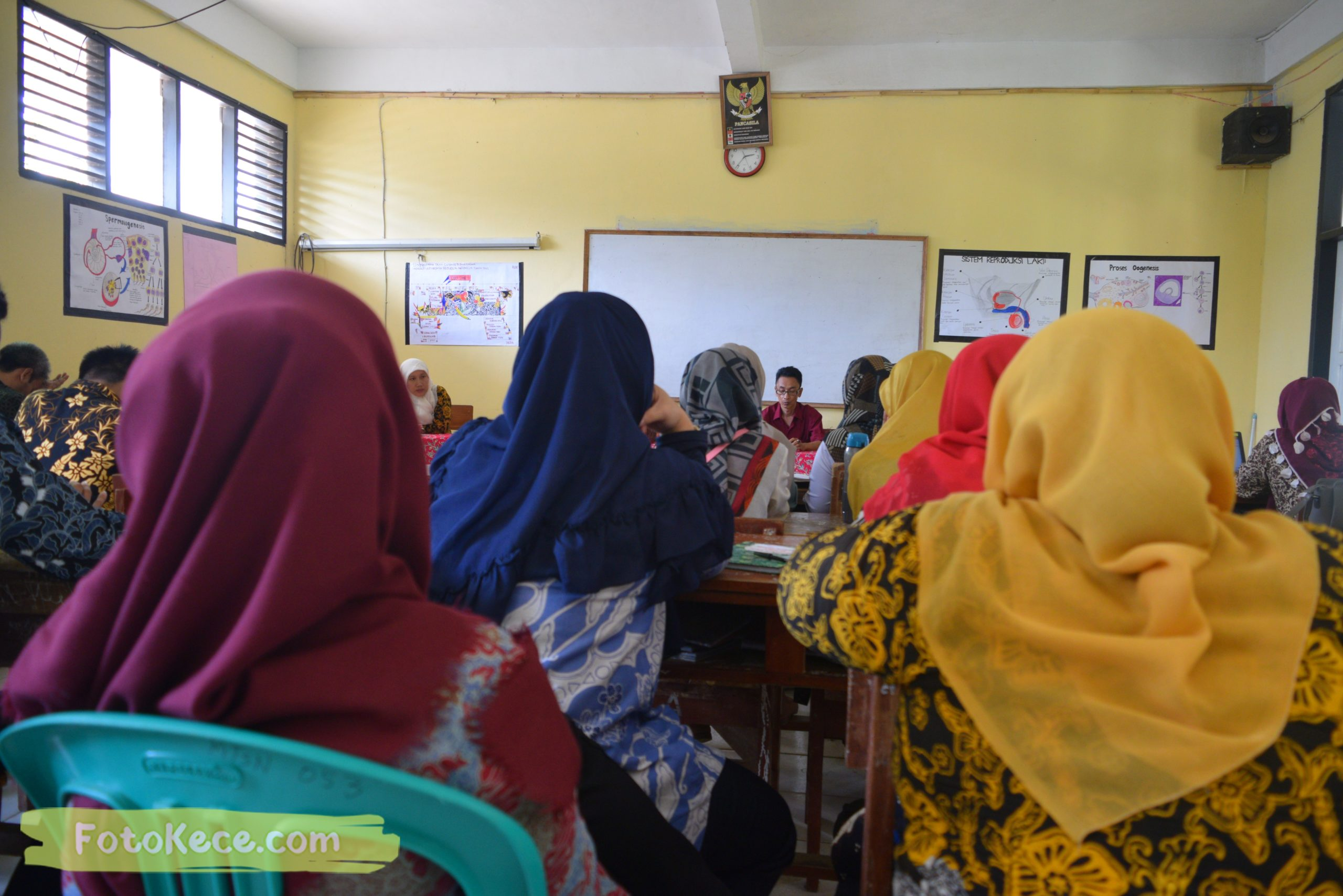 meeting persiapan pas 1920 foto kece mtsn 2 sukabumi 05122019 42 scaled