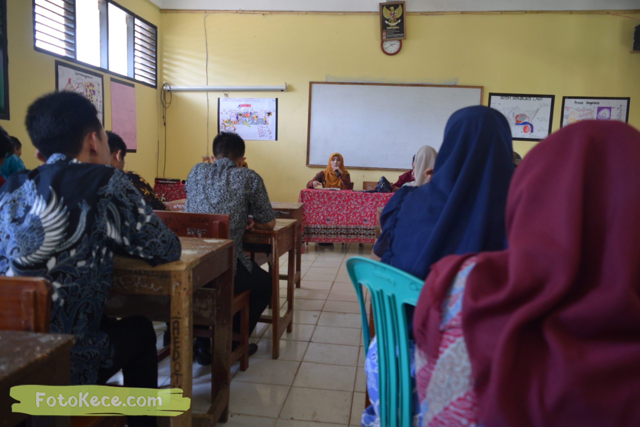 meeting persiapan pas 1920 foto kece mtsn 2 sukabumi 05122019 52 scaled
