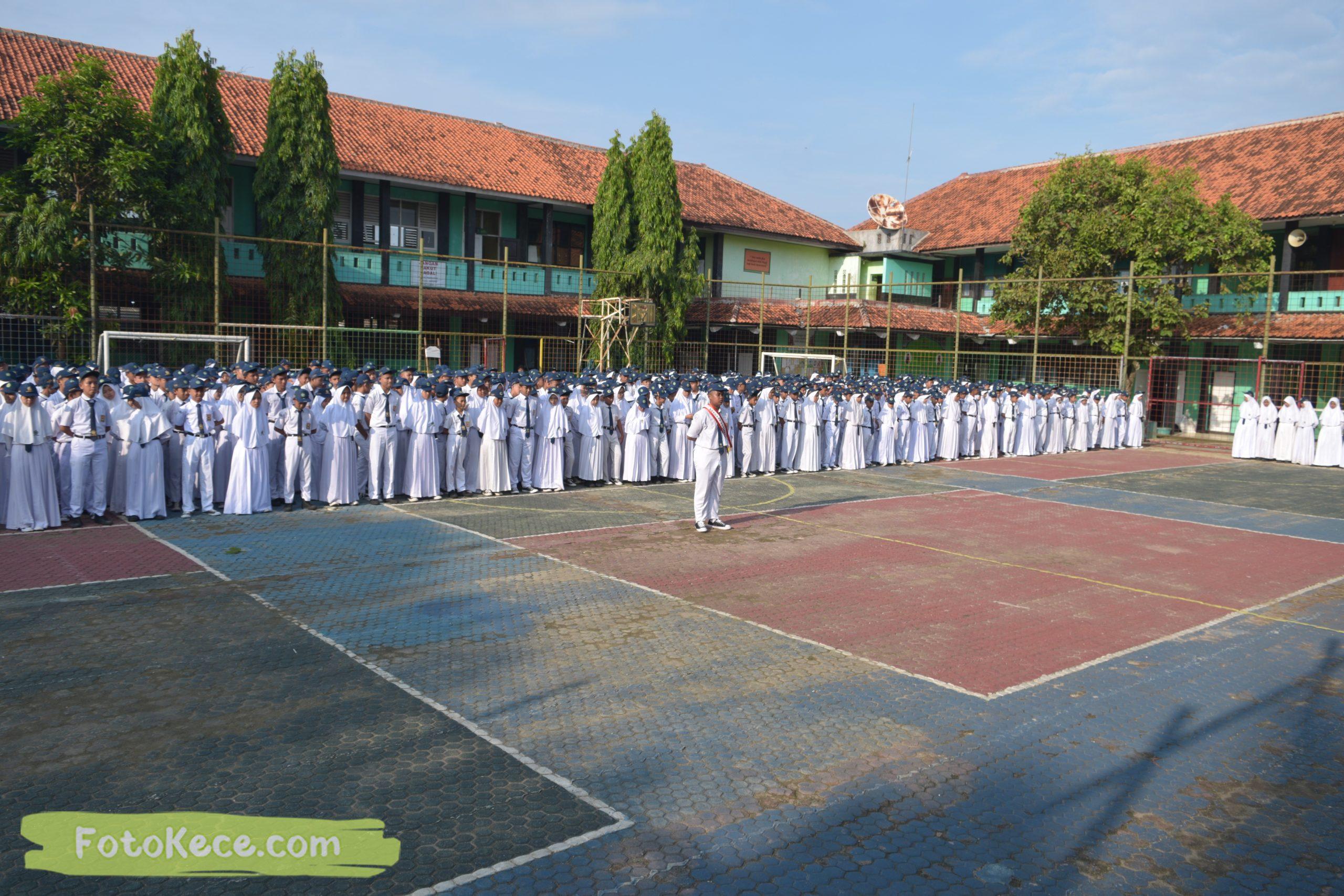 upacara senin bersama pengawas terbaik widad arifin 27012020 42 scaled