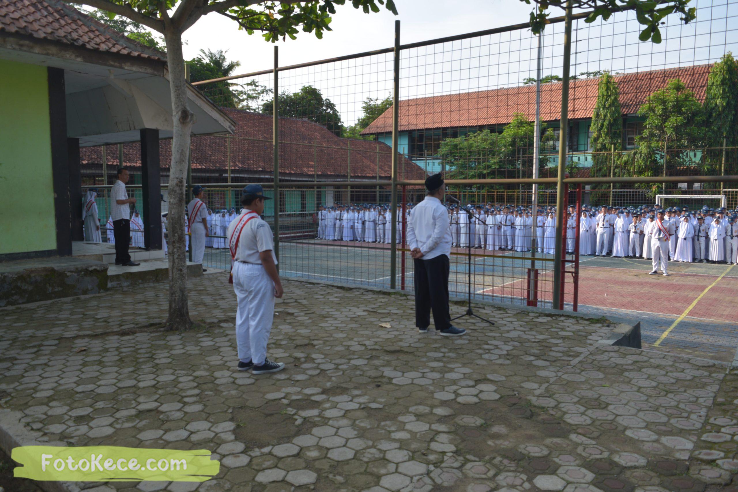 upacara senin bersama pengawas terbaik widad arifin 27012020 9 scaled