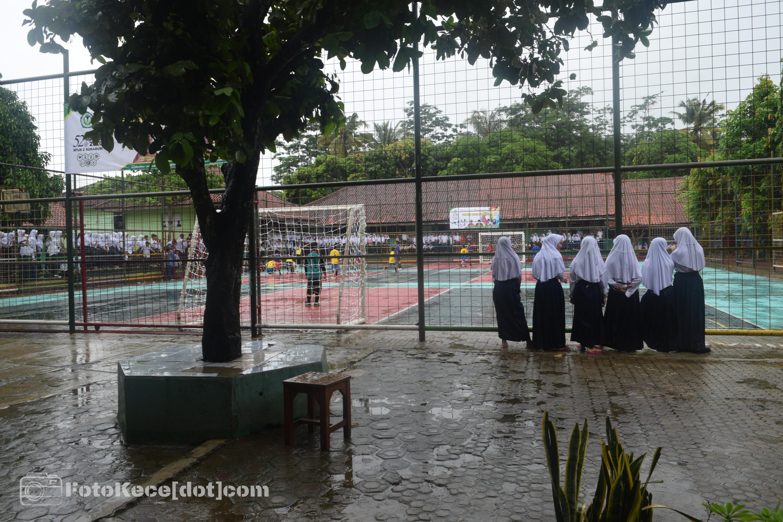 Futsal hari kedua-keseruan foto bareng sambil nonton futsal Milad 52 2020 (3)