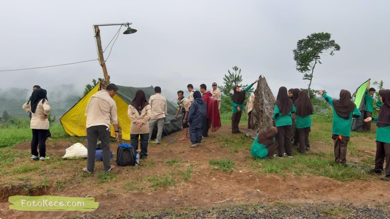 pasang tenda kehebohan narakarya 1 2020 di wisata alam puncak buluh foto kece 56