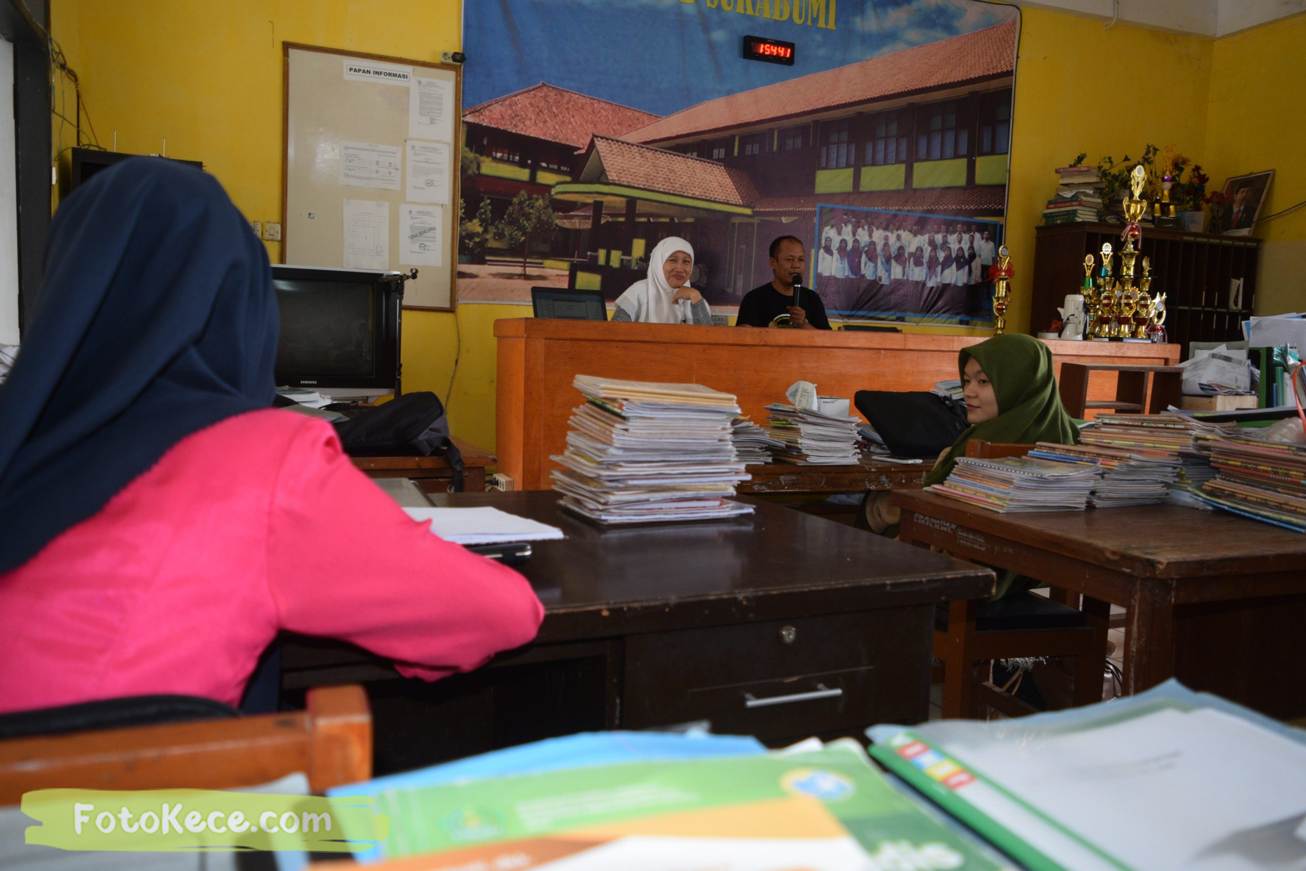podium rapat ai jaenal meeting intern siap technikal meeting milad 52 mtsn 2 sukabumi 06022020 foto kece 18 scaled
