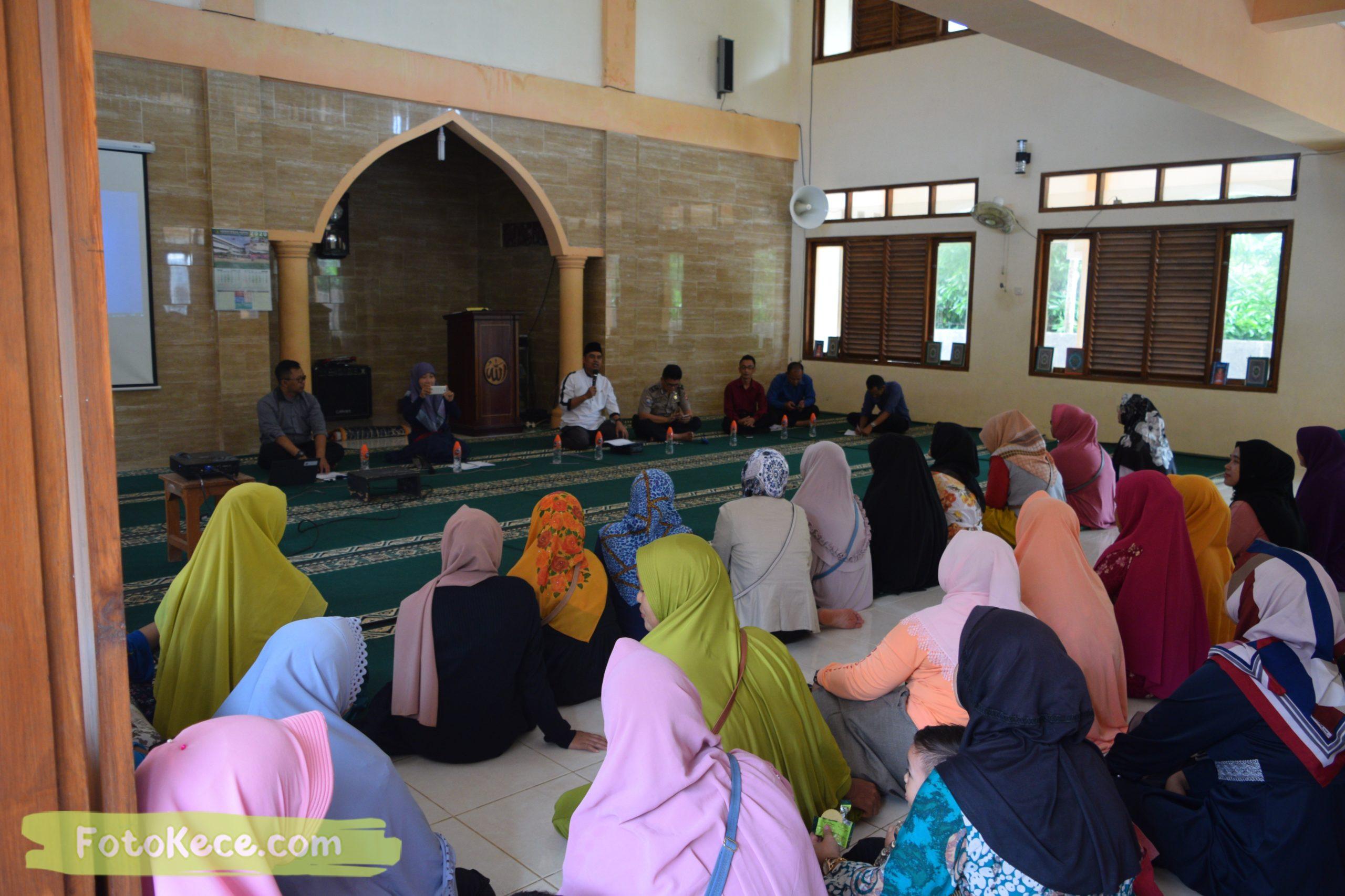 rapat komite ortu siswa kelas 9 masjid mtsn 2 sukabumi 05022020 foto kece poto kece 42 scaled