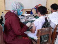 06092021-seribu vaksin pelajar pada madrasah bersama puskesmas buniwangi surade sukabumi (15)