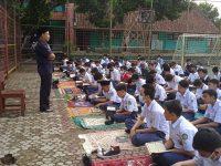 Acep miptah Setelah Dhuha lanjut Pembiasaan membaca Asmaul Husna pada MTsN 2 Sukabumi (4)