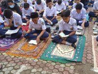 Di lapangan Setelah Dhuha lanjut Pembiasaan membaca Asmaul Husna pada MTsN 2 Sukabumi (6)