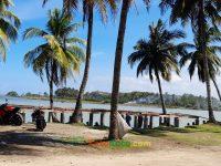 Menikmati keindahan pantai muara tegalbuleud kecamatan sukabumi (3)