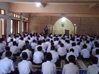 Setelah Dhuha lanjut Pembiasaan membaca Asmaul Husna pada MTsN 2 Sukabumi (7)