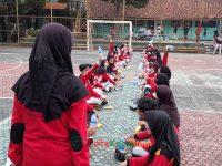 makan bareng 17092021 Latihan paskibra hebat siswa MTsN 2 Sukabumi (27)
