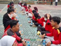makan bareng 17092021 Latihan paskibra hebat siswa MTsN 2 Sukabumi (31)