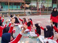 makan bareng 17092021 Latihan paskibra hebat siswa MTsN 2 Sukabumi (39)